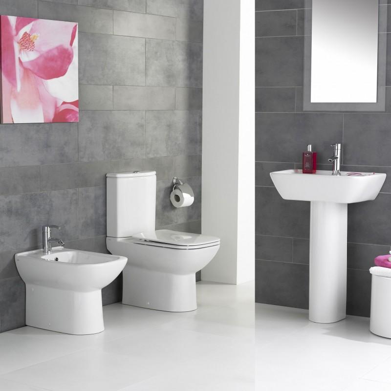 Kale modern bathroom suite barbara square for Modern bathroom suites pictures